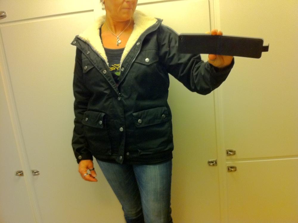 Dagens Shopping - 110917 - 2 - Länna Sport - Fjällräven Greenland Women Winter Jacket Black.  (2/2)